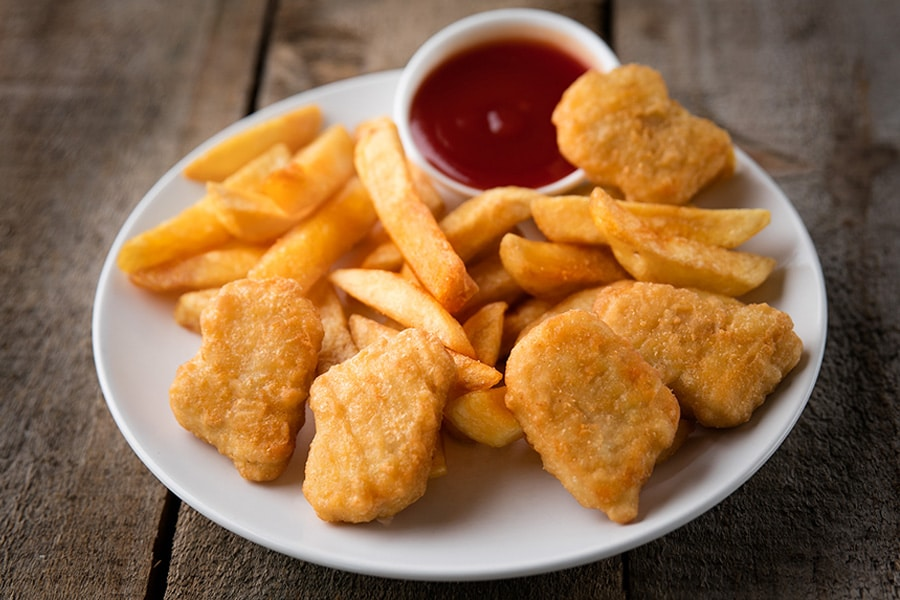 kids menu nuggets and chips